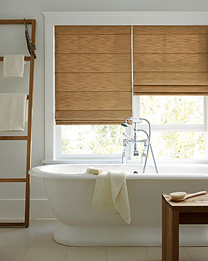Window-Treatments-for-Bathrooms-Hunter-Douglas-Studio-Cordlock-Bathroom